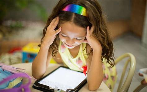screen time harming childrens vision uw dovs