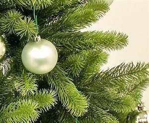 Künstlicher Adventskranz Dekoriert : hochwertigen led weihnachtsbaum mit kugeln hier kaufen ~ Michelbontemps.com Haus und Dekorationen