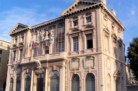 chambre de commerce brest l 39 ancienne maison des marchands de marseille mairies et hôtels de ville de sur l
