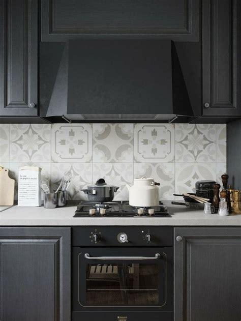 carreaux de cuisine cuisine avec crédence en carreaux de ciment superbes
