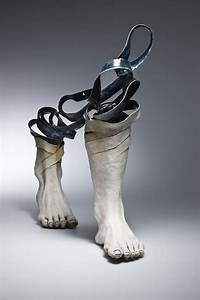 Ceramic sculptures that unravel before your eyes colossal for Ceramic sculptures that unravel before your eyes