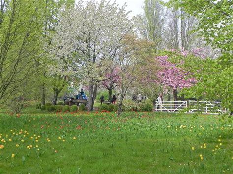 Britzer Garten Bahn by Britzer Garten Berlin Britz Park Wiese W 228 Ldchen