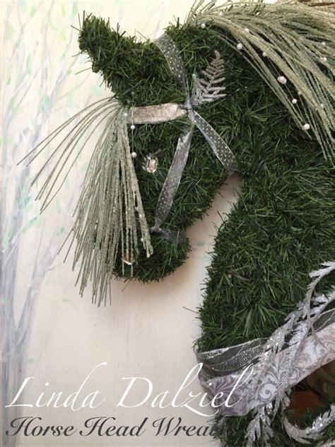 horse head wreaths  linda dalzielfacebook hand woven