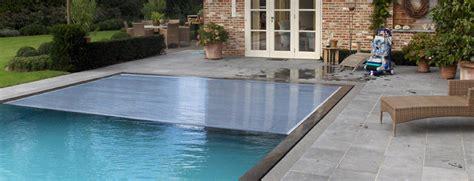 rideau de piscine de rideau immerg dans une piscine with rideau de piscine affordable abri