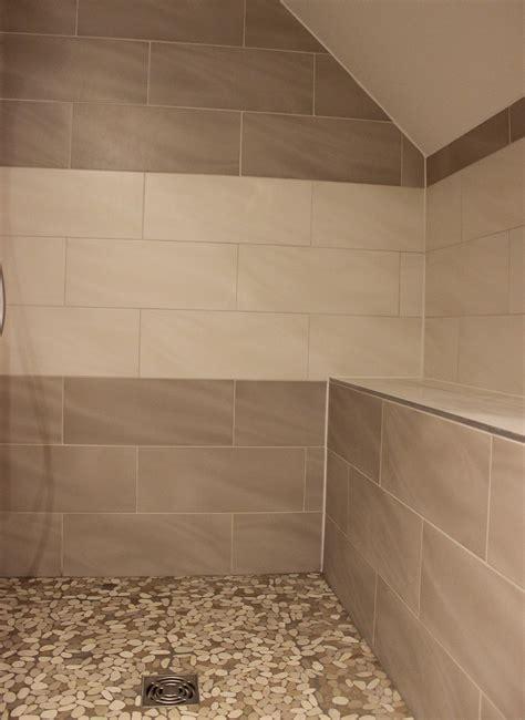 batterie de cuisine ceramique salle de bain marron taupe