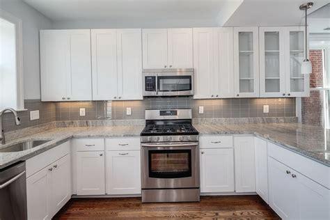 backsplash for white kitchen cabinets kitchen backsplash ideas with white cabinets railing