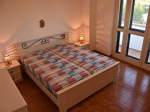 Großer Kleiderschrank Schlafzimmer : ferienhaus villa cosima san pietro in bevagna familie milano ~ Markanthonyermac.com Haus und Dekorationen