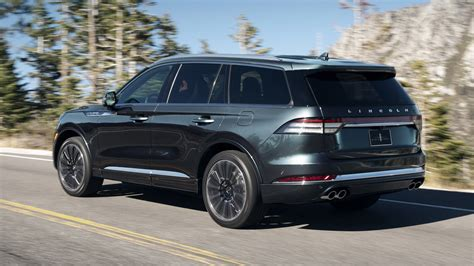 Ford Aviator 2020 by 2020 Lincoln Aviator Flies Into Audi Q7 And Volvo Xc90