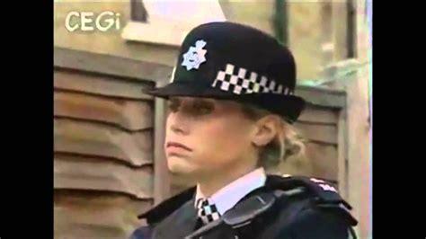 British Policewoman KO YouTube