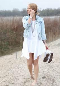 Kleid Mit Jeansjacke : fashionblogger karlsruhe outfit strand weisses kleid jeansjacke lederchucks 7 lavie deboite ~ Frokenaadalensverden.com Haus und Dekorationen