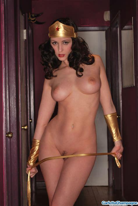 Carlotta Champagne As Wonder Woman Sexy Cosplay