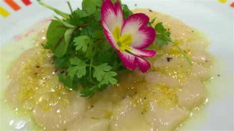 cours de cuisine avec un chef étoilé carpaccio de st jacques condiment citron caviar gingembre