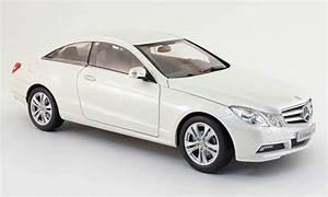 Mercedes Classe C Blanche : mercedes classe e miniature coupe c 207 blanche 2009 norev 1 18 voiture ~ Maxctalentgroup.com Avis de Voitures