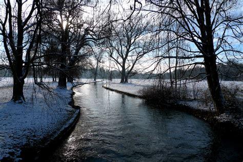 Englischer Garten Winter by Winter Am Eisbach Englischer Garten M 252 Nchen Foto Bild