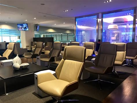 Review British Airways Business Class Lounge Singapore