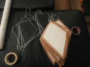 Basteln Mit Tapete : dekodrachen aus drahtkleiderb gel mit einer alten tapete berziehen bzw einpacken und dann ~ Orissabook.com Haus und Dekorationen