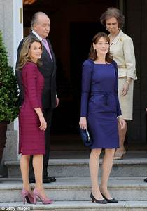 Is the pressure starting to show? Carla Bruni looks ...