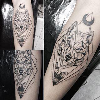geometric wolf  moon forearm tattoo tattoo designs tattoos geometric wolf tattoo wolf