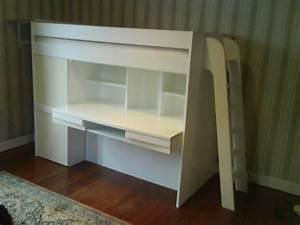 Lit surélevé avec bureau. lit combin sur lev avec bureau et