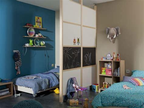 partager une chambre en deux 2 enfants une chambre 8 solutions pour partager l 39 espace