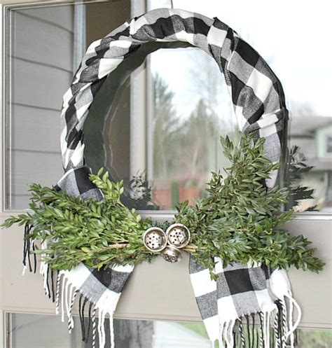 unique christmas wreaths  days  christmas