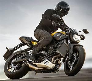 Mt 07 Fiche Technique : yamaha mt 07 700 2015 fiche moto motoplanete ~ Medecine-chirurgie-esthetiques.com Avis de Voitures