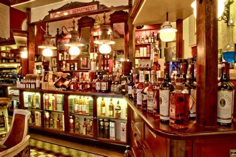 la maison du whisky whisky maison du biscuit