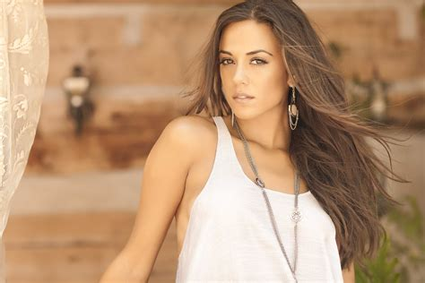 jana kramer wallpapers images  pictures backgrounds