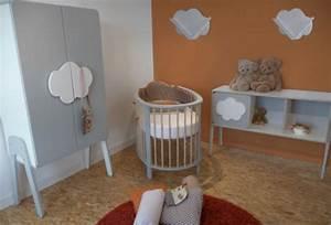 Lit Bebe Nuage : chambre b b songes et rigolades nuage ~ Teatrodelosmanantiales.com Idées de Décoration