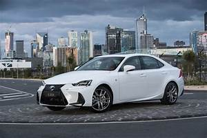 Lexus Is 300h F Sport : 2017 lexus is 200t 350 300h now on sale revised design more standard kit performancedrive ~ Gottalentnigeria.com Avis de Voitures
