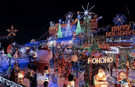 19 photos of the best christmas light displays in toronto