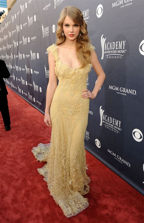 Pin on Looks - Dresses - Evening - Long - Yellow