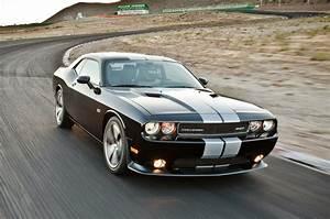 Dodge Challenger Srt8 : dodge challenger srt8 black stripes 7637 best wallpapers dodge challenger srt8 black stripes hd ~ Medecine-chirurgie-esthetiques.com Avis de Voitures