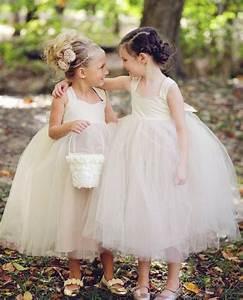 Chignon Demoiselle D Honneur Mariage : coiffure petite fille pour mariage 30 filles d 39 honneur superbes ~ Melissatoandfro.com Idées de Décoration