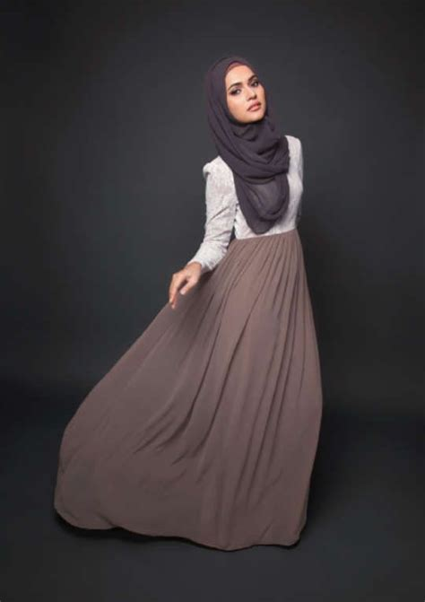 Taupe Maxi Skirt L/Sleeve White Blouse Grey Hijab #modeststyle #hijabi #fashion | Hijab summer ...