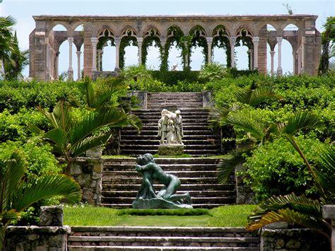 Versaillesgardensandthecloister