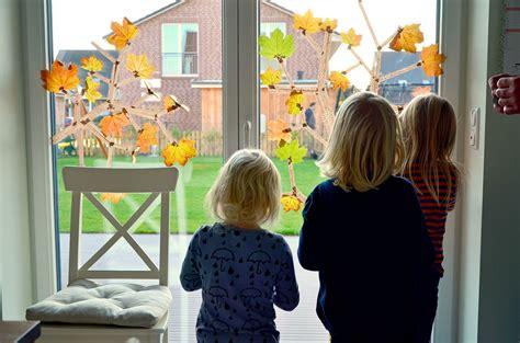 Herbst Fingerfarbe Fenster by Diy Ein Herbstb 228 Umchen Aus Masking By