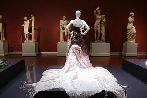 Man, People, Woman, Model, Museum, Fashion