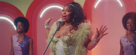 """Born in houston and raised in detroit, lizzo adopted her moniker in 2011 and fronted lizzo & the larva ink after moving to minneapolis. Lizzo Premiers Retro """"Juice"""" Music Video (Review) - Justrandomthings"""