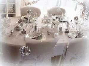 Table De Noel Blanche : deco table noel argent et blanc d coration de no l d co colo ~ Carolinahurricanesstore.com Idées de Décoration