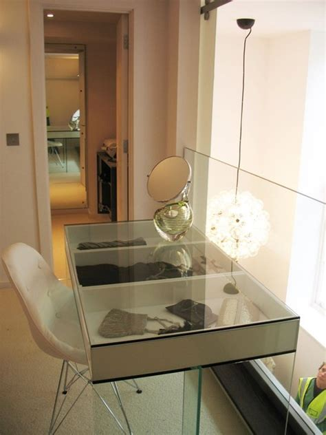 Glass Vanity Makeup Table by 1000 Ideas About Glass Vanity Table On Makeup