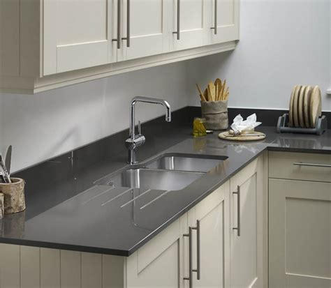 the differences between quartz worktops granite worktops