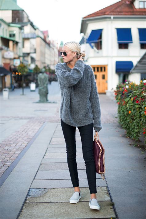 Ways Pull Off Oversized Sweater This Fall