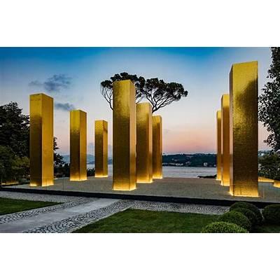 The Sky Over Nine Columns – a sculpture by Heinz Mack St