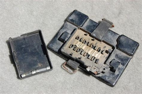 Motorcycle Electrical Fuse Box by Find Xs650 Yamaha Electrical Fuse Panel Battery Box Cover
