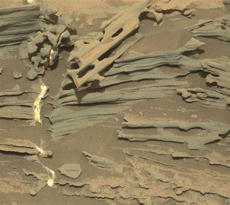 UFO WORLD: NASA Mars Curiosity Rover's Latest Images