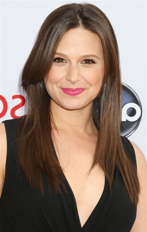 katie lowes latest sleek smooth long hairstyle faces styles weekly
