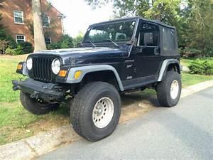 Starting    1 Jeep Wrangler Sport  Tj  Soft Top 4x4 A  C