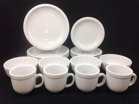 Pottery Barn Suppertime 16-piece Dinnerware Set For Four