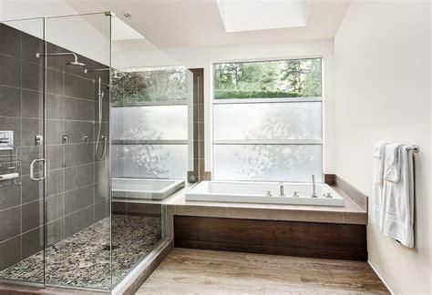 Badezimmer Mit Dusche Und Badewanne Eben With Badezimmer